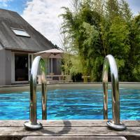 Spacious Holiday Home with Private Pool in VIrton, hotel in Virton