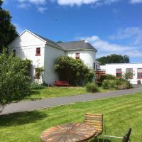 The Burren Hostel - Sleepzone, hotel in Lisdoonvarna