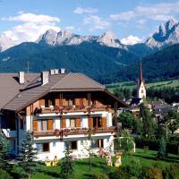 Hotel Garní Sunnleit´n, hotell i Welsberg