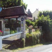 Les Tilleuls: Saint-Cirgues-de-Jordanne şehrinde bir otel