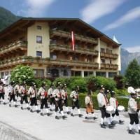 Hotel Gasthof Jäger, hotel in Schlitters