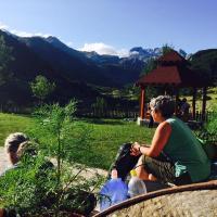 Guesthouse Alpini, hotel in Lëpushë
