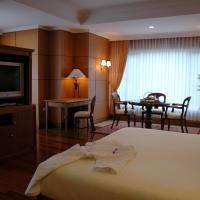 Royal Senyiur Hotel, hotel in Prigen