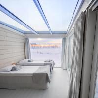 Seaside Glass Villas, hotel in Kemi
