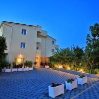 Apartments & rooms Stella Adriatica, hotel in Murter