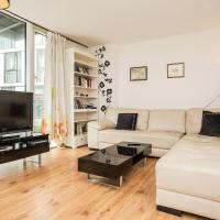 Central Spacious 2-Bed Apartment