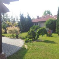 Świerkowe Wzgórze – hotel w mieście Grabków