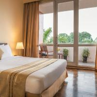 Inya Lake Hotel, Hotel in Yangon