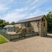 Beautiful Stone Cottage in Dunmere with Garden