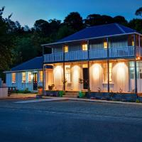 The Old Oak Boutique Hotel, hotel in Mangonui