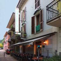 Hotel Del Pesce, hotel a Luino
