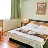 Majerik Hotel, отель в Хевизе