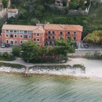 Hotel Residence Sirenella, hotell i Torri del Benaco