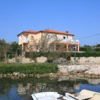 Apartments by the sea Ugljan - 829