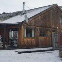 Cardrona Valley Chalet, hotel in Cardrona