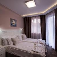 Caro Apartments & Rooms, hotel in Varna City