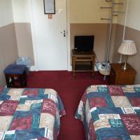 The Crouch Oak, hotel in Addlestone