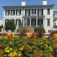 Nottoway Plantation and Resort, hotel in White Castle