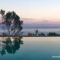 Nereidi Pool Villas, hotel in Porto Ozias