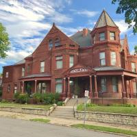 Vineyard Mansion Carriage House, hotel in Saint Joseph