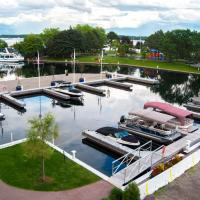Tall Ships Landing Coastal Resort, hotel em Brockville