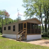Pine Country Camping Resort, hotel in Belvidere