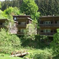 Holiday home in the Großbreitenbach, hotel in Altenfeld