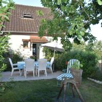 Serene Holiday Home in Vignol with Swimming Pool, hotel in Vignol