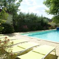 Charming Holiday Home in Les Brouzils with Swimming Pool