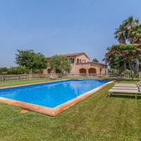 Spacious Villa with Swimming Pool in St Pere Pescador