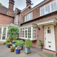 Charming Holiday Home in in Tunbridge Wells near Golf Course