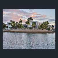 NewPort Dream Quiet Island - No Party Maximum 9-10 People, hotel em Redcliffe