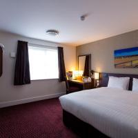 Sessile Oak, Llanelli by Marston's Inns, hotel in Llanelli