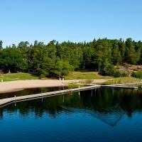 Rösjöbaden Camping & Stugby, hotel in Sollentuna
