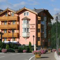 Hotel Garni La Roccia, hotel in Andalo