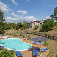 Luxurious Farmhouse in Aulla with Swimming Pool