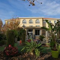 Adonis Sanary Grand Hôtel des Bains, hotel in Sanary-sur-Mer