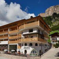 Mountain Hotel Mezdì, отель в Кольфоско