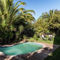 Le Petit Chateau Guest House, hotel in Durbanville