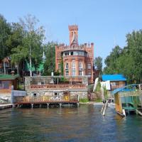 Апартаменты Замок на озере Увильды