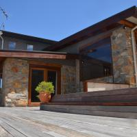 Of Stone & Wood Guesthouse - Secluded getaway!, hotel em Muston