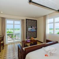 Royal Riverside Hoi An Hotel, hotelli Hoi Anissa