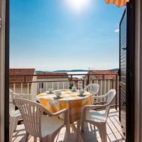 Apartment Petra, hotel in Brodarica