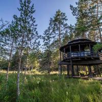 Sambliku Treehouse, hotelli kohteessa Jõgisoo