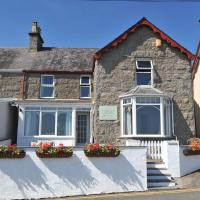 Waters Edge Holiday Apartments, hotel in Benllech