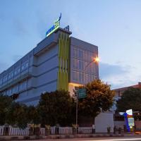 PrimeBiz Tegal, hotel in Tegal