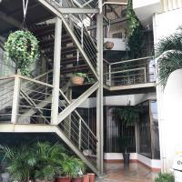 Apartotel Oro, hotel in San Antonio