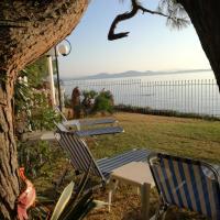 Poseidonas Apartments, hotel in Nea Makri