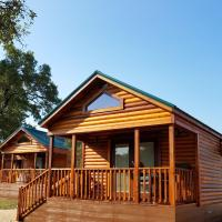 Al's Hideaway Cabin and RV Space, LLC, hotel in Pipe Creek