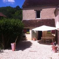 Gite Vezelay, hotel in Chamoux
